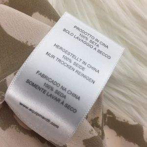 Equipment Tops - Equipment Femme Layla Heart Print VNeck Silk Tank